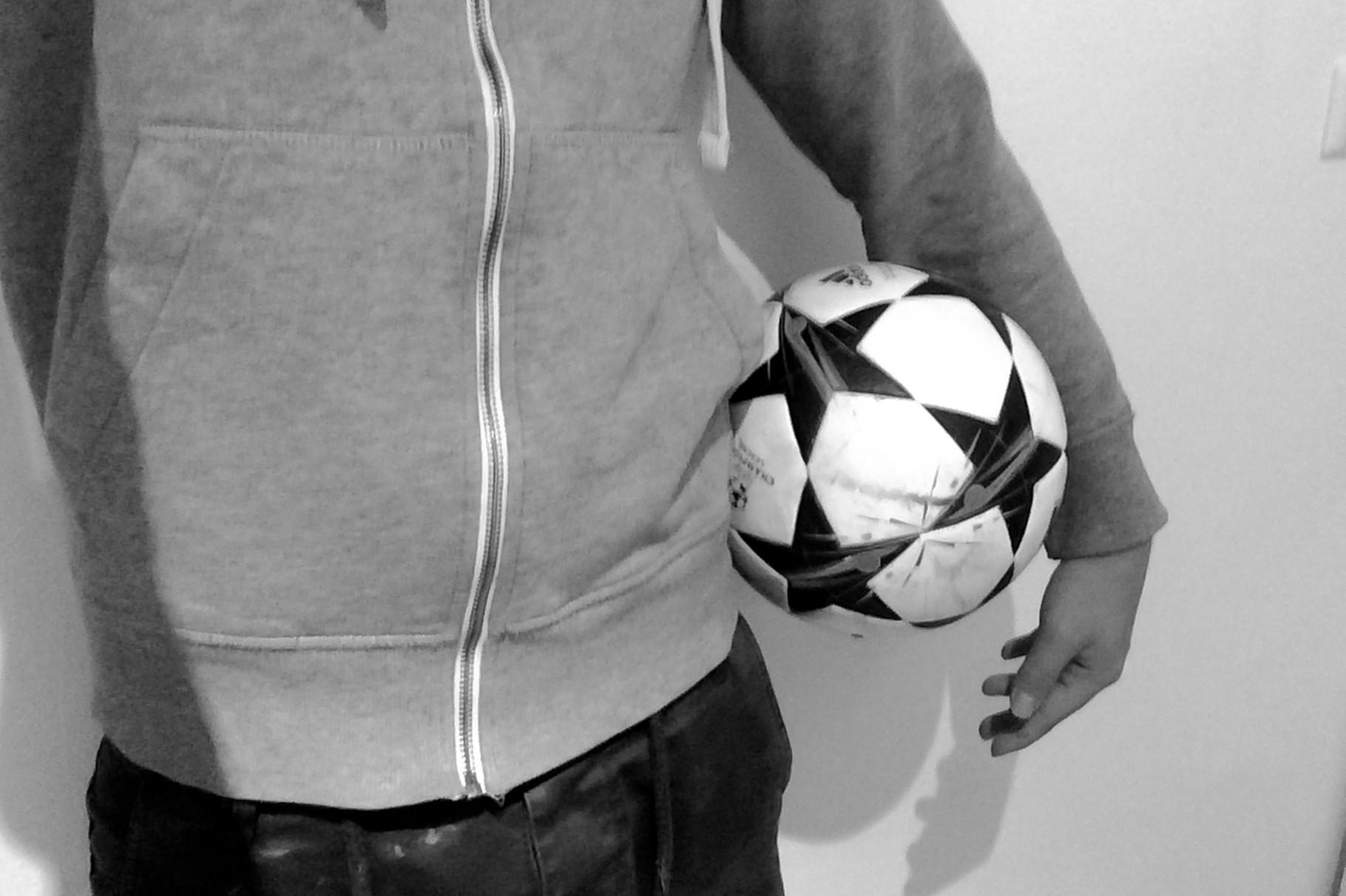 """Sunny Dregger """"Das Geheimnis des Fußballs ist der Ball."""""""