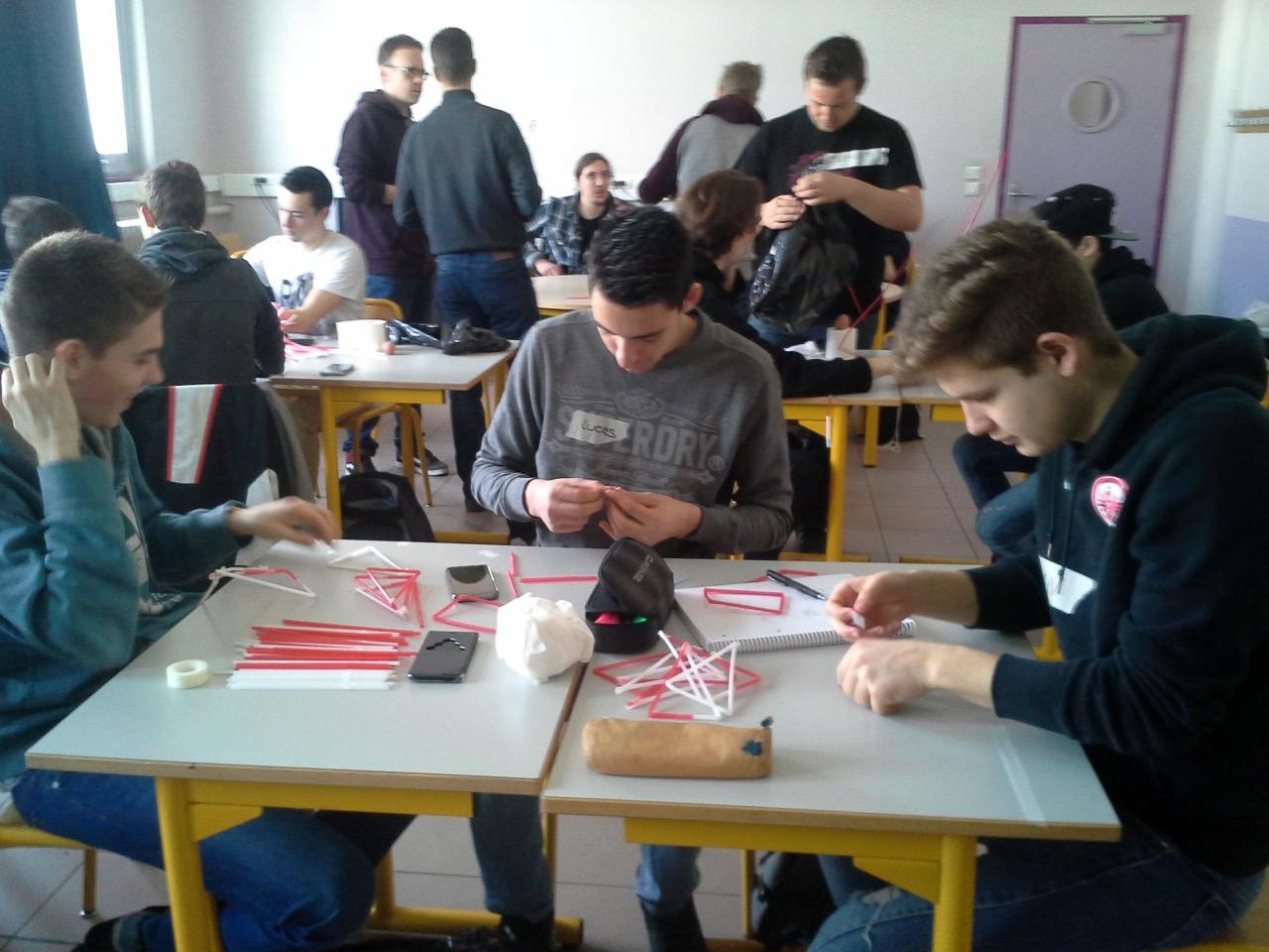 rechts Schüler Jan Erb, BG12, französische Schüler