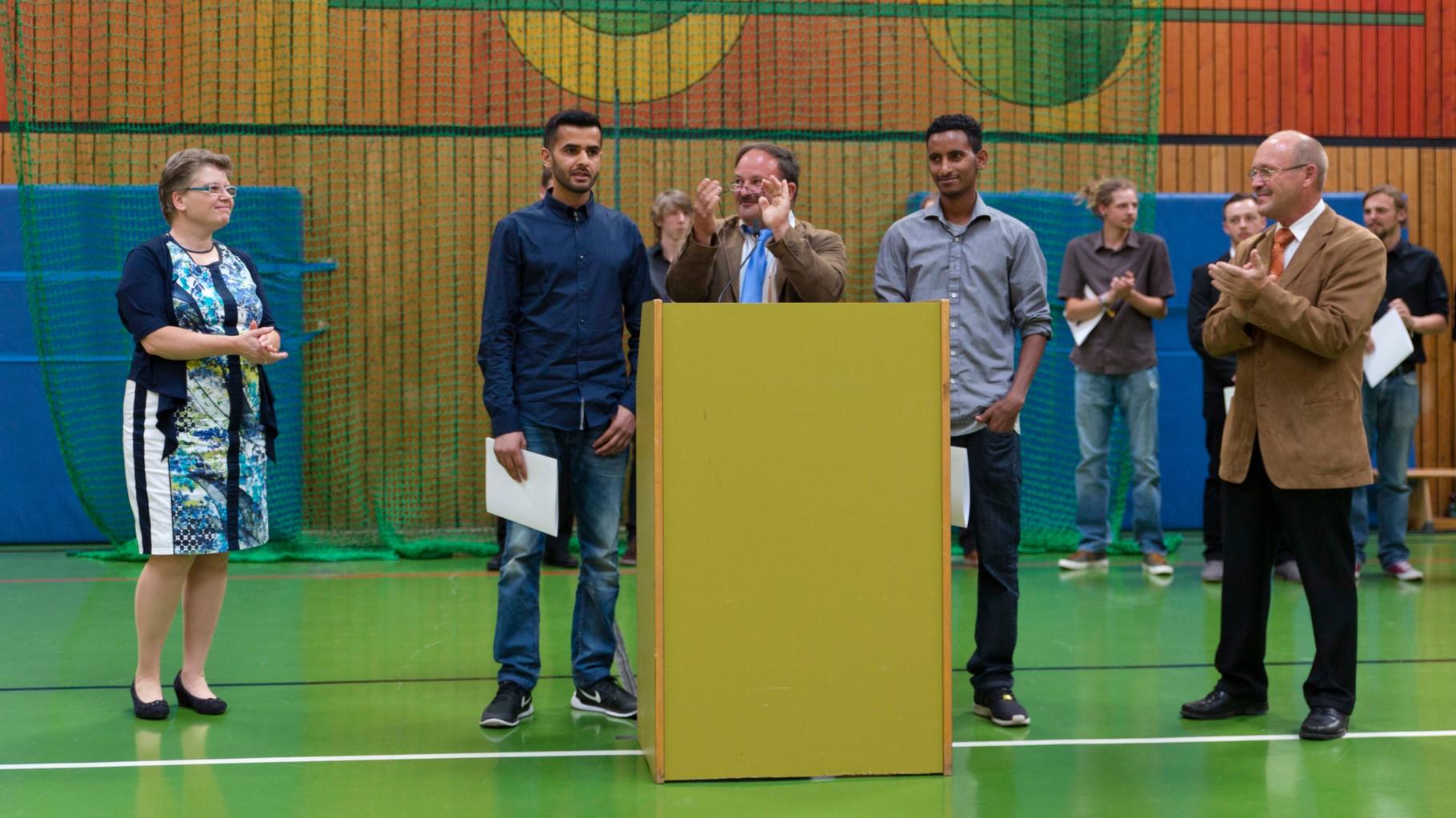 Fr. Tschakert, Hr. Crößmann, Hr. Sehl & Elektrotechnikschüler