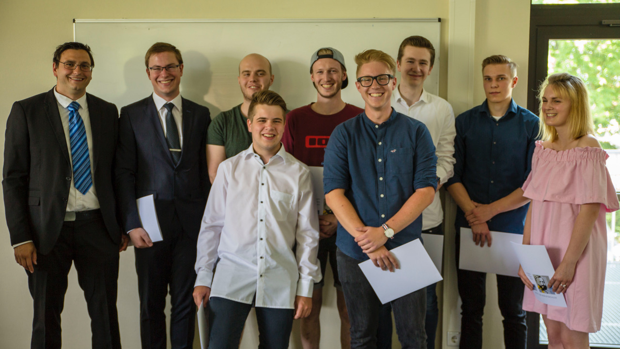 Klasse BG13a, links Tutor Tobias Bauschke