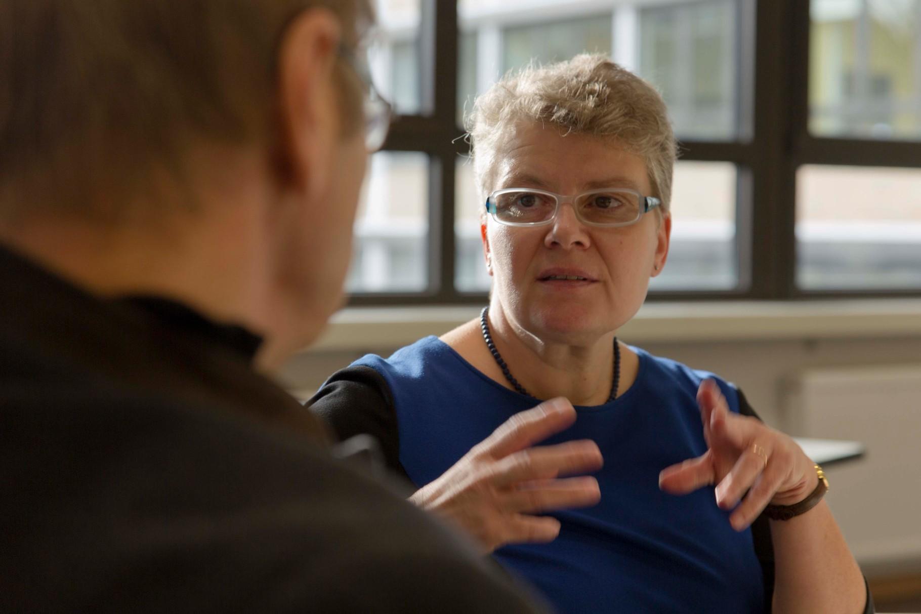 JPRS-Schulleiterin Frau Tschakert