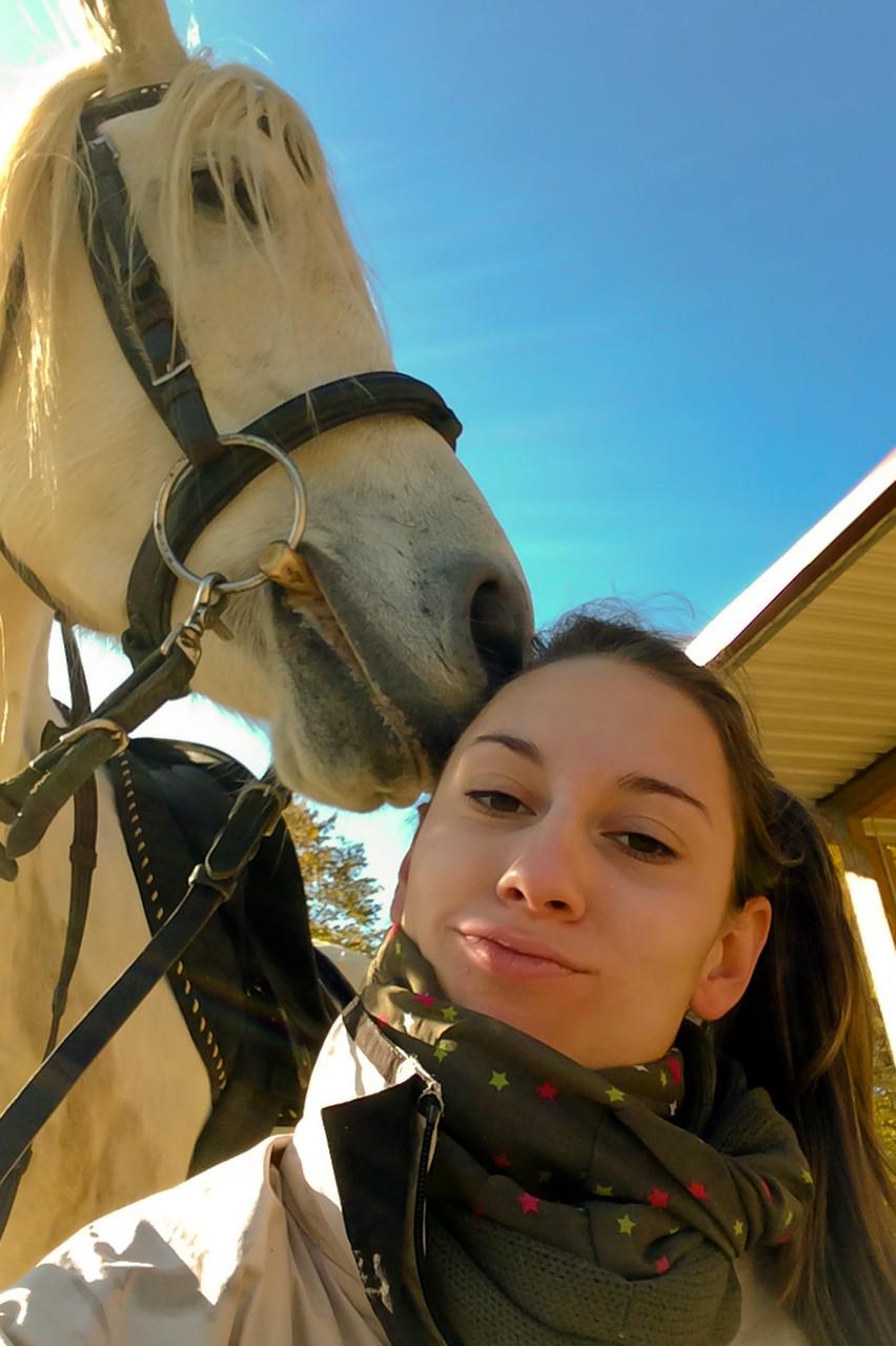 """Cosima Herbst """"Das Glück der Erde liegt auf dem Rücken der Pferde."""""""
