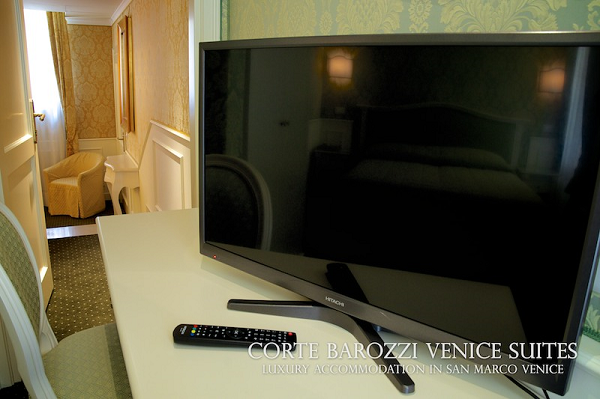 Corte Barozzi Venice Suites - detail of double room