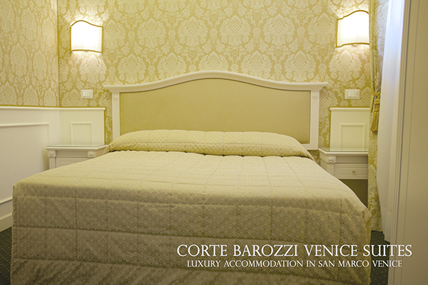 Corte Barozzi Venice Suites - king-size bed in double room