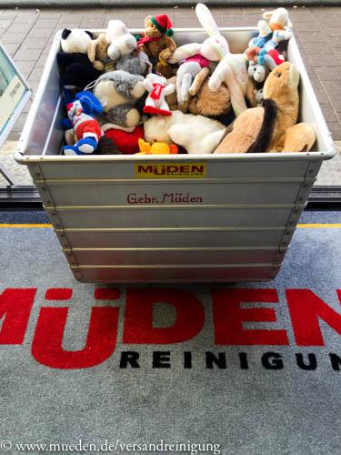 www.mueden.de, Kuscheltierspende, Metallwagen mit Plüschtiere in GHF