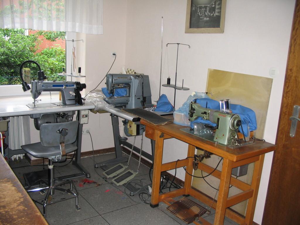 Riegelmaschine und Schneidermaschine