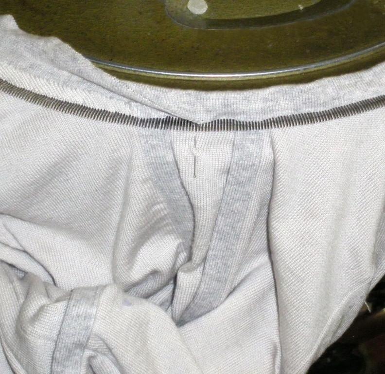 Macchina per cucire a rimaglio capi di maglieria