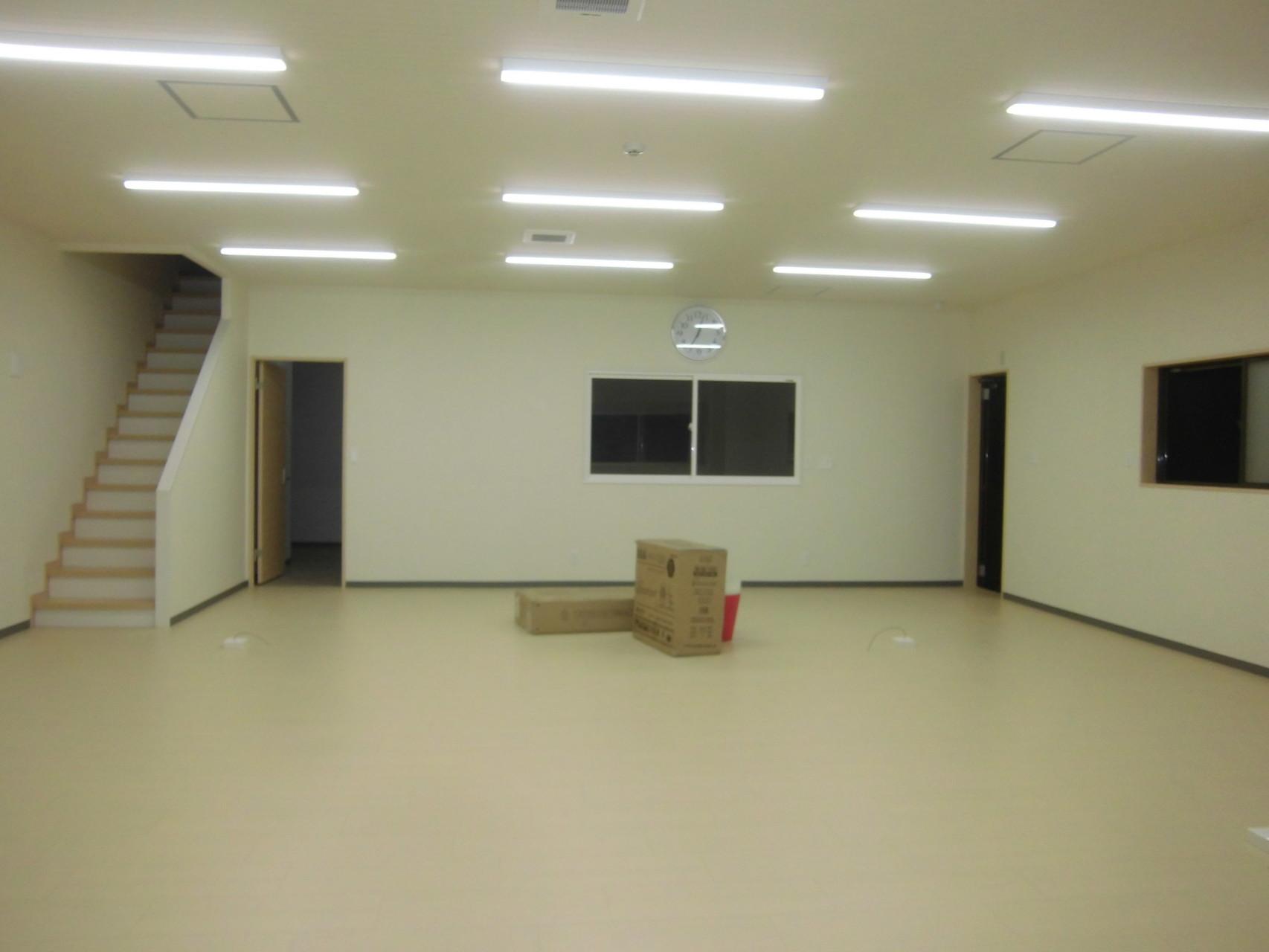 事務所内部 内部に階段を設ける事で、人の動きを把握できます