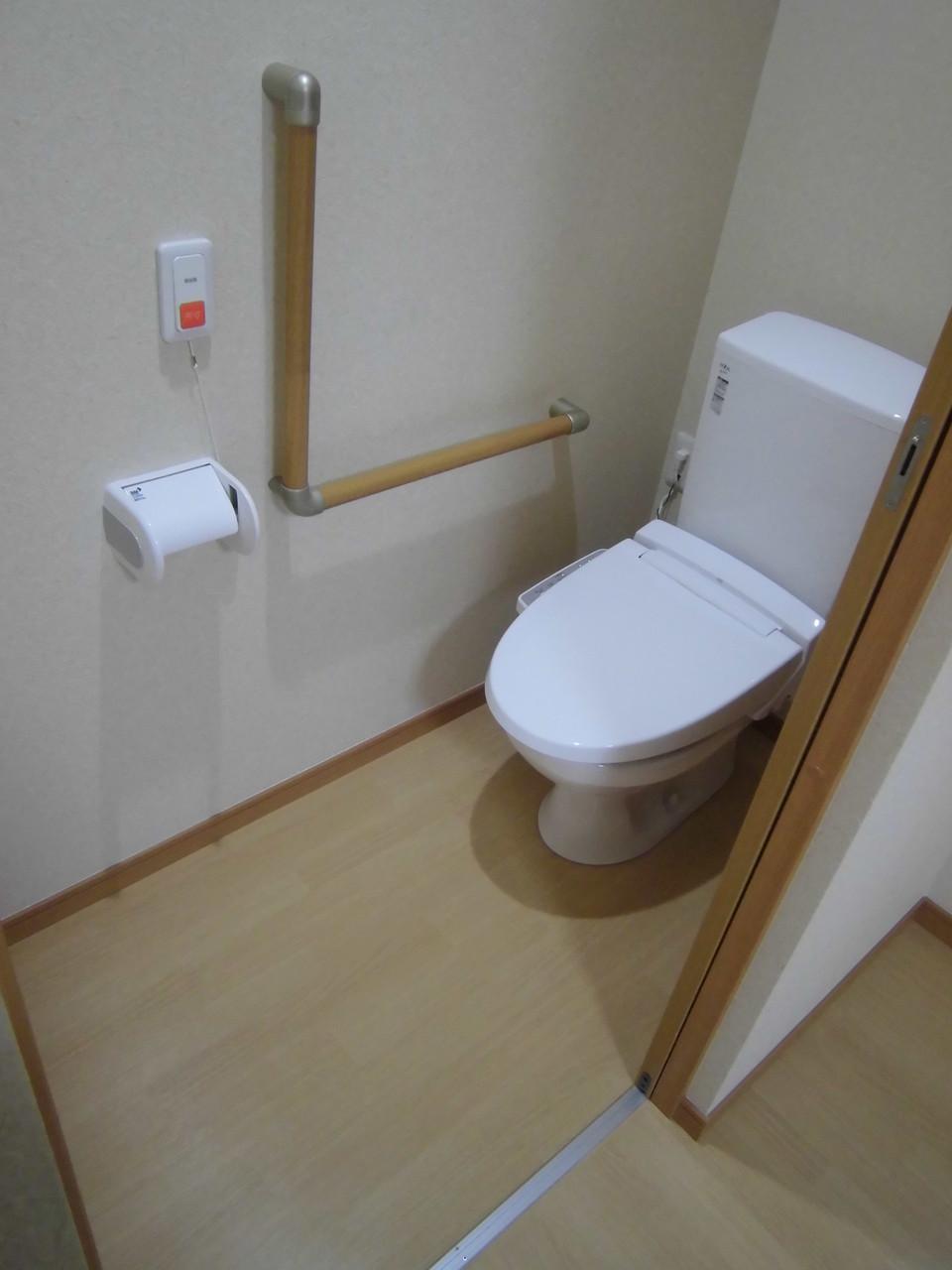 居室トイレ(全室シャワートイレ仕様)