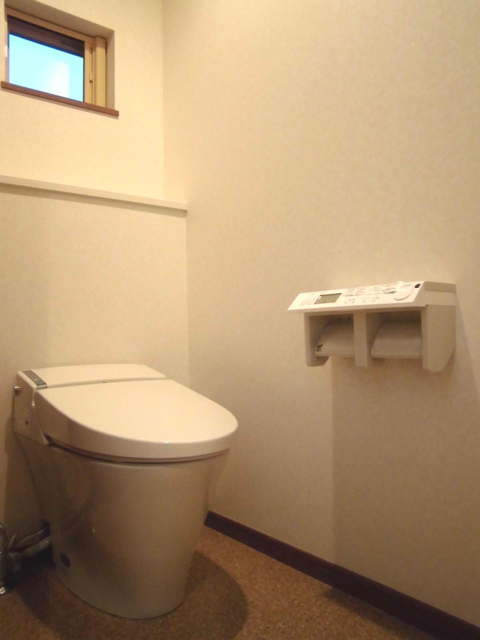 2Fトイレ(タンクレス仕様)