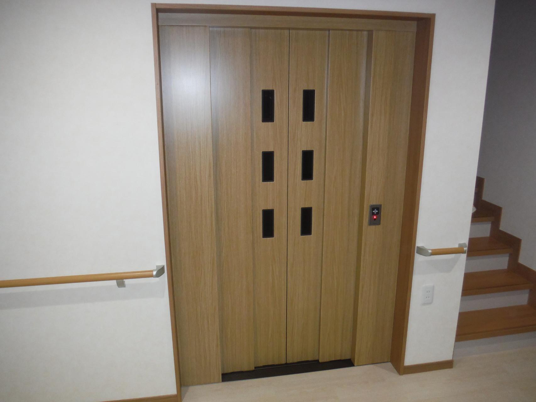 エレベーター -安全装置も当然に設置-