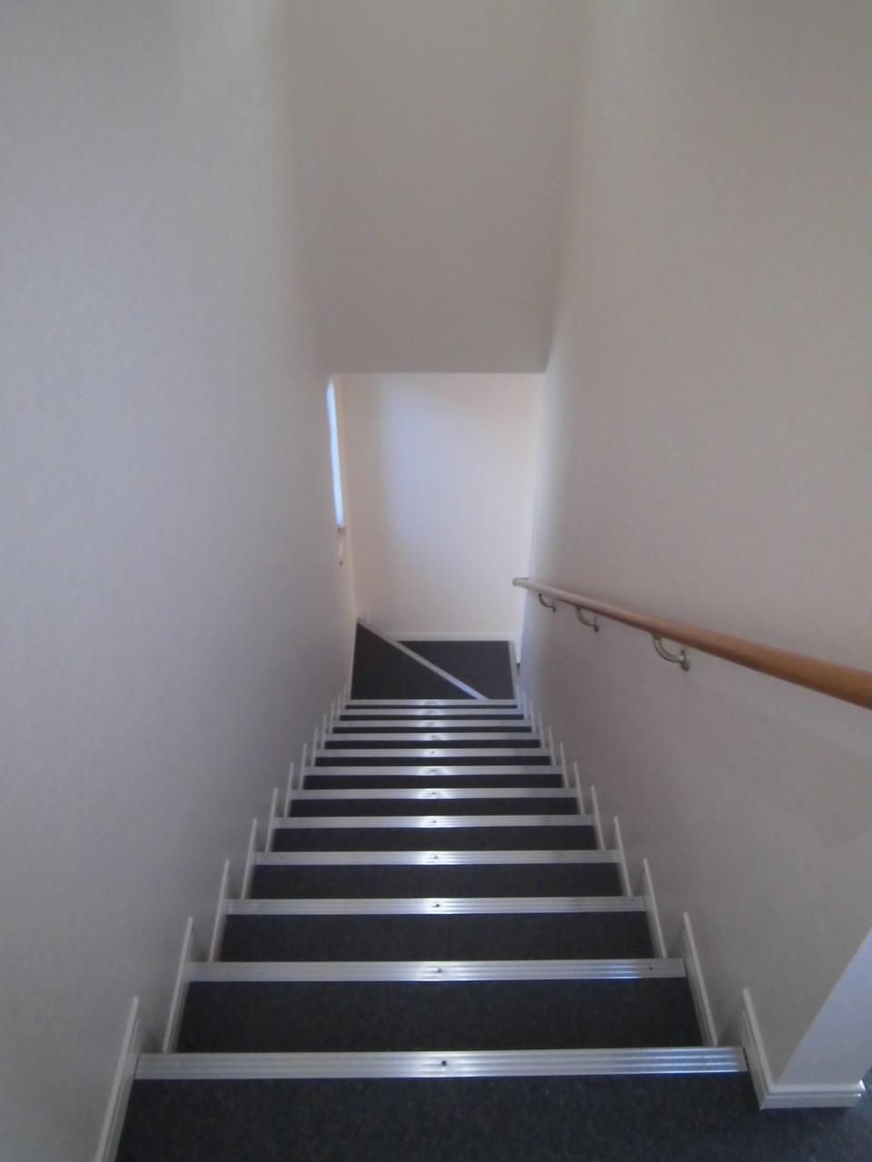 階段幅も広めに設計致しました