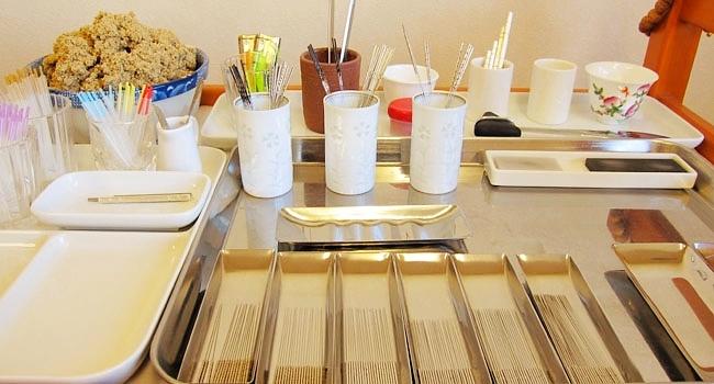 名古屋市千種区、東山公園駅からすぐ、鍼灸大津治療院の施術道具