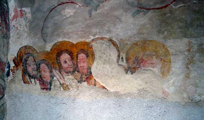 Nordwand Detail nach Retusche der Apostelköpfe