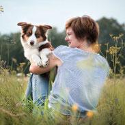 Peggy mit ihrem Mini-Aussie-Rüden Gusti