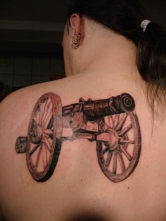 Tattoo ACDC Kanone Greifswald