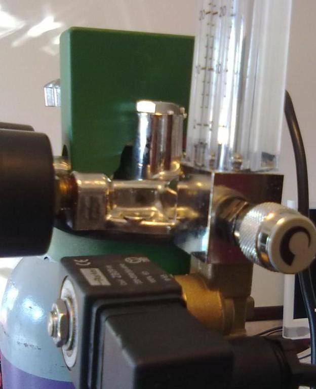 4 Particolare Rubinetto di Regolazione Gas nel Depuratore Deodoratore  ad Alcool Buongusto