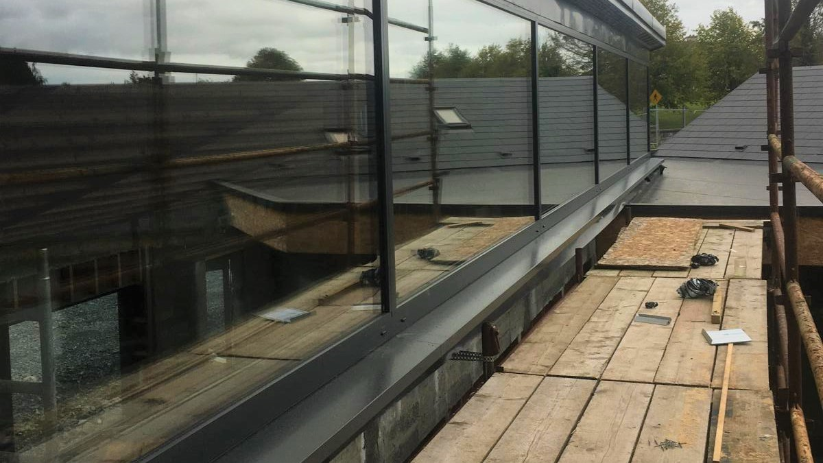 Finished aluminium glazing, installed on top of Triotherm+