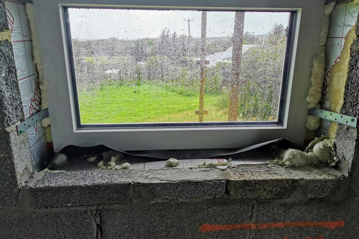 Window taping - no pain, no gain!