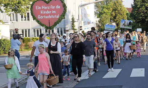 Friedlicher Protestmarsch mit Herz fürs Görtschitztal © Eggenberger