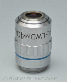 左)ユニオン光学 PLLWDM 40X