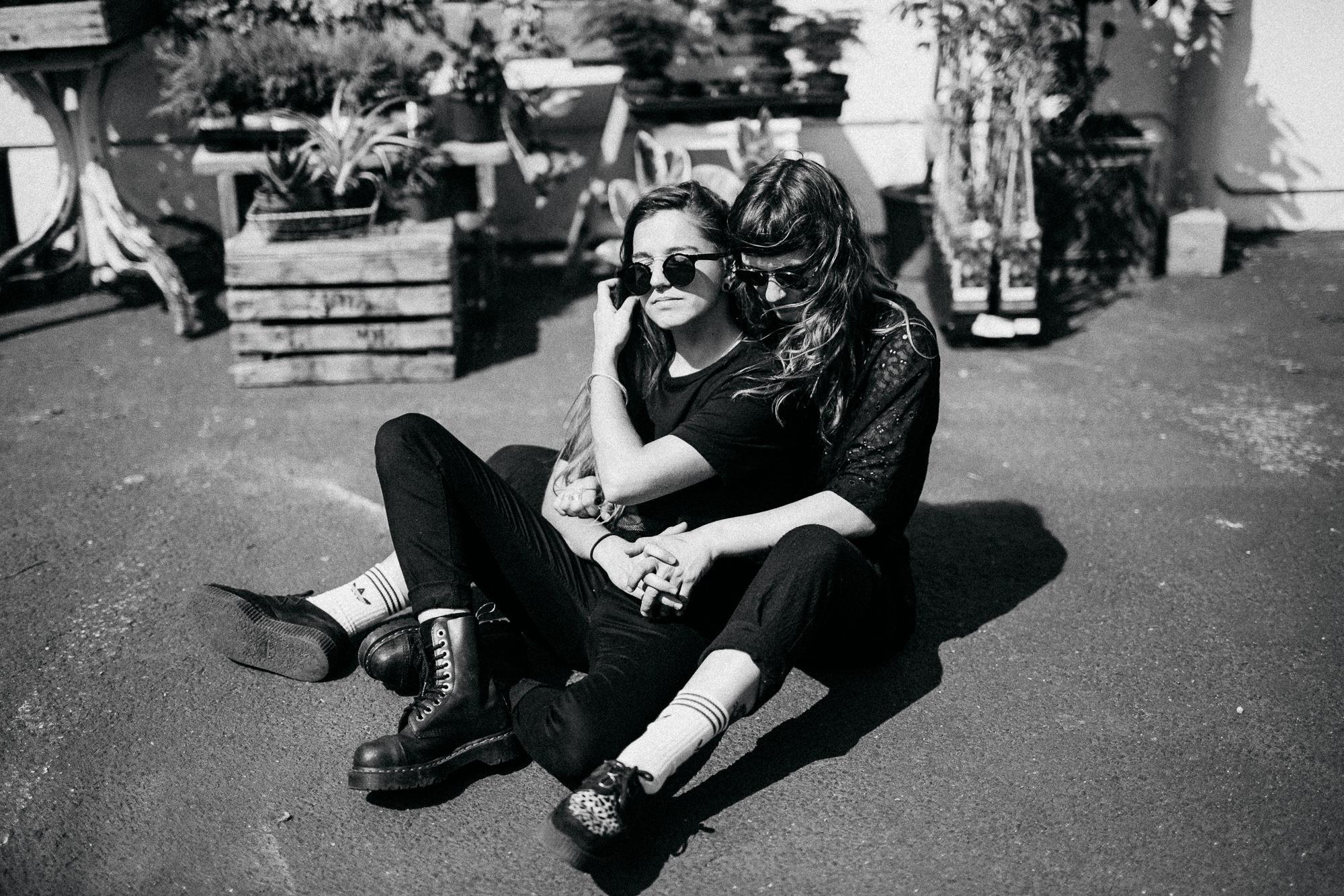 Urbanes Couple-Fotoshooting in Hamburg von Alina Atzler Fotografie