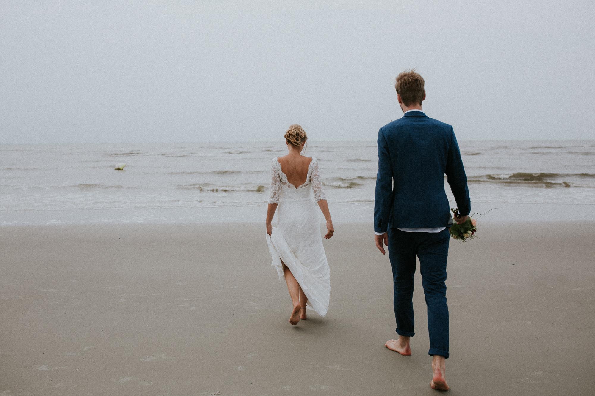 Brautpaar am Strand von Sankt Peter-Ording