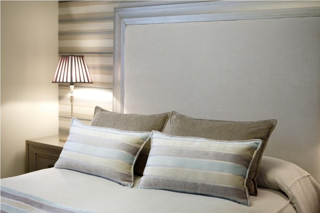 Cabezal tapizado para el dormitorio principal
