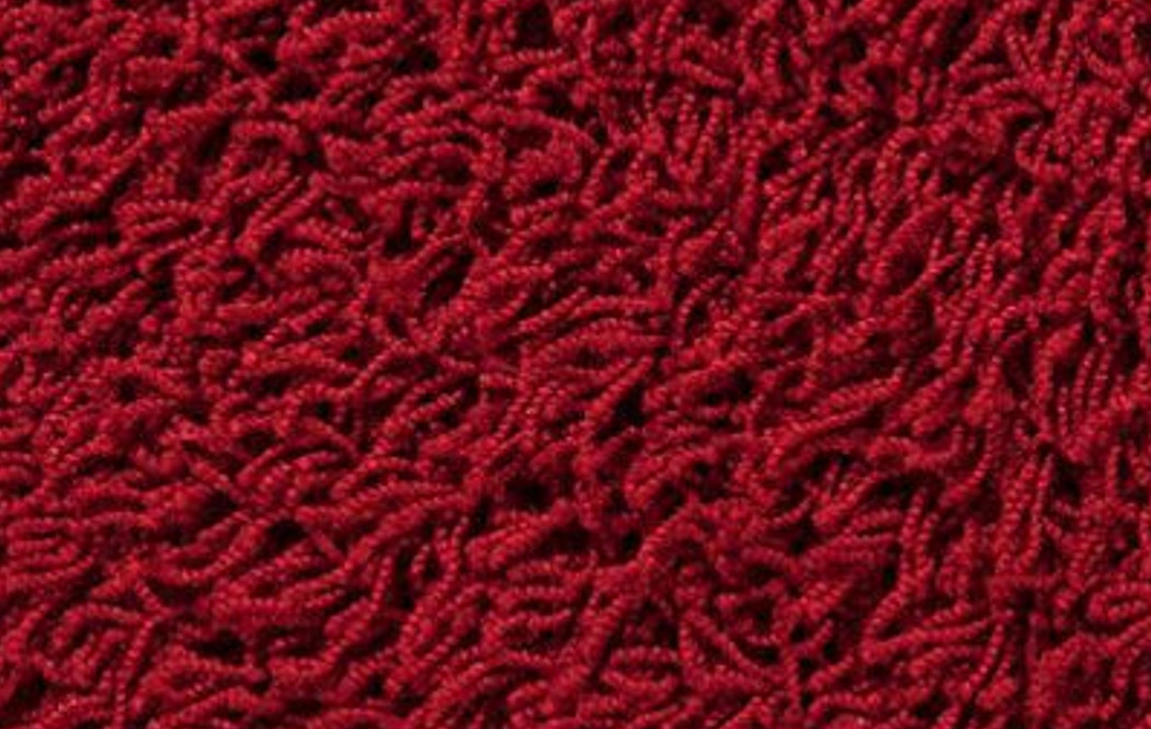 Alfombra de pelo largo rojo tapidecor interiorismo y - Limpiar alfombra pelo largo ...
