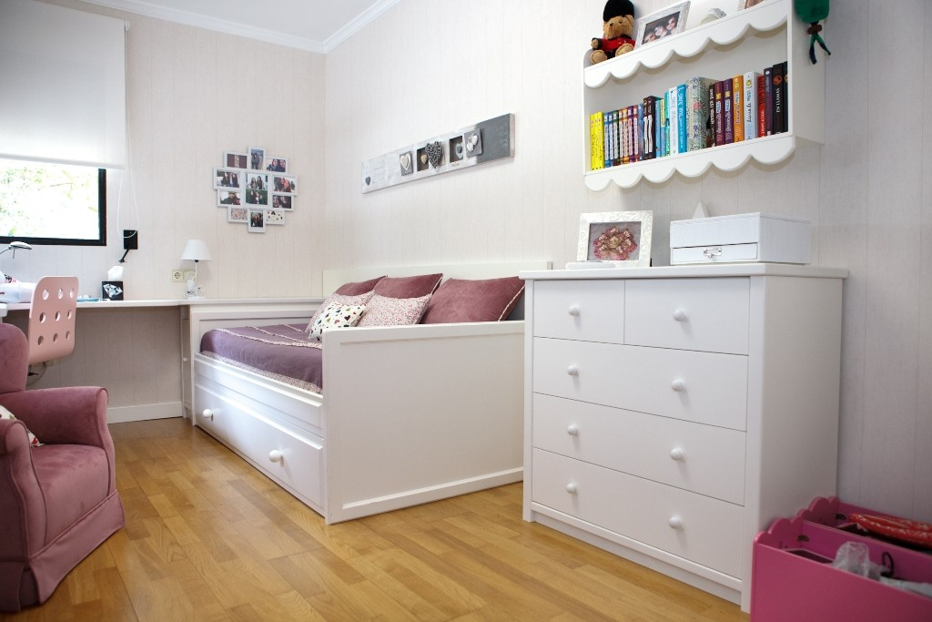 Dormitrio juvenil nena