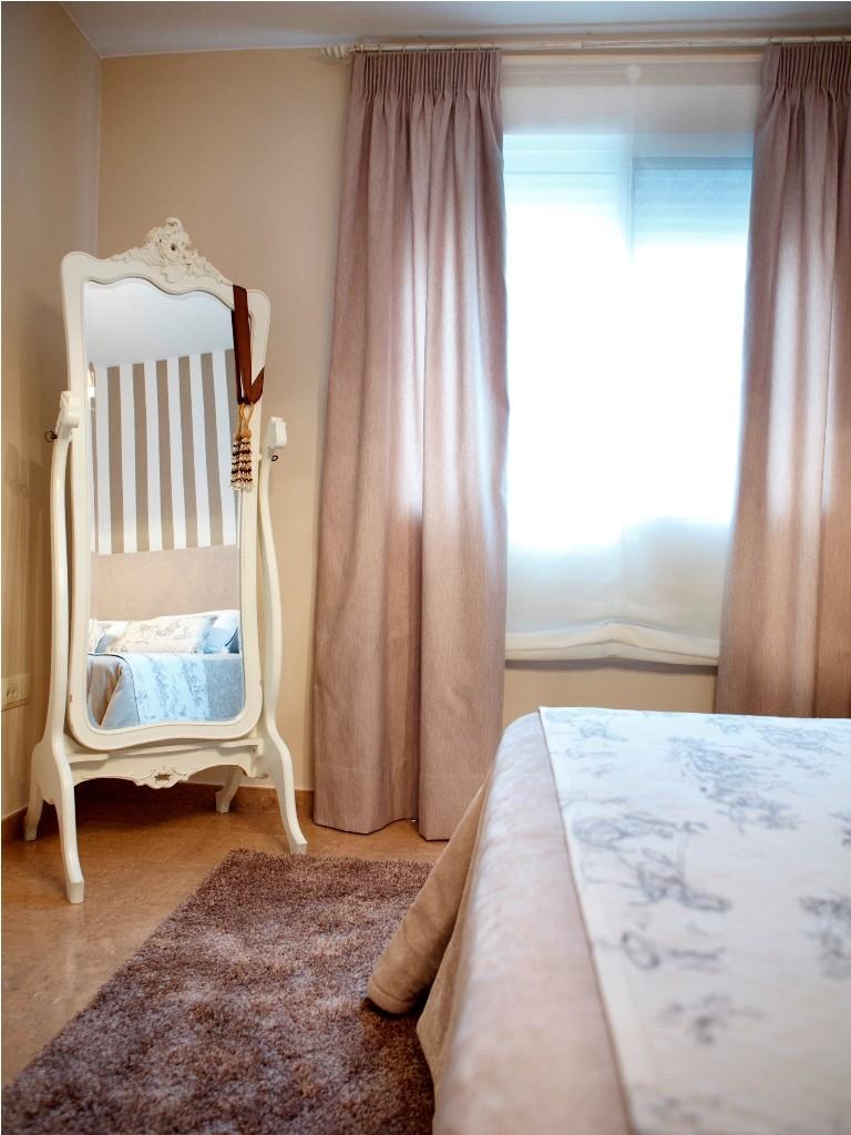 Espejo de pie estilo clásico para el dormitorio principal