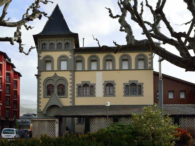 Seu de Urgell; Architektur der Pyrenäen.