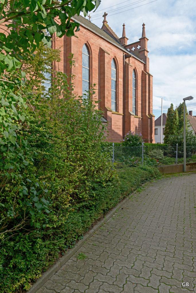 Neustadt Weinstraße / Duttweiler - Fussweg an der Kirche