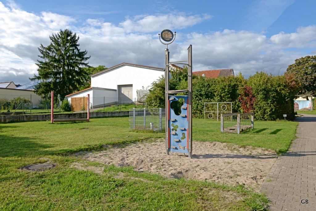 Neustadt Weinstraße / Duttweiler - Spielplatz