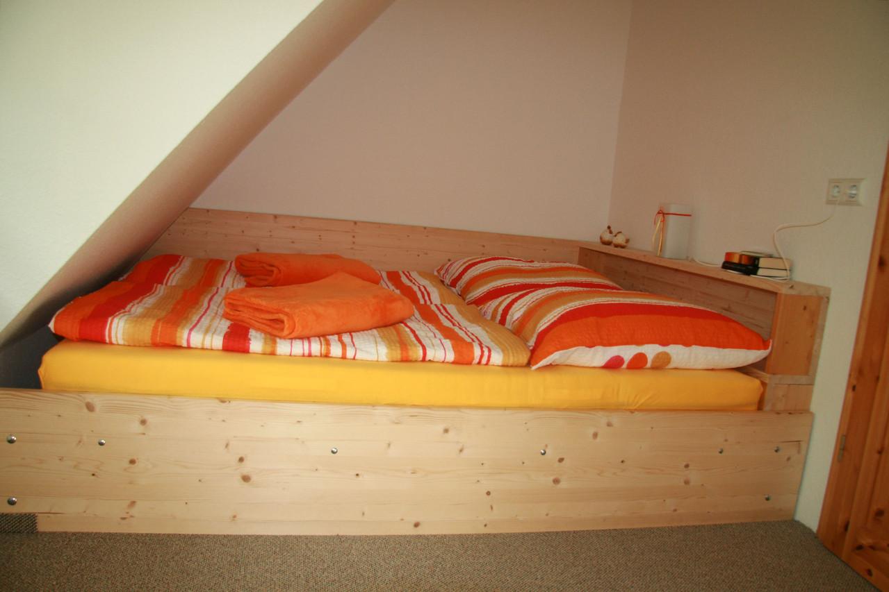 Schlafzimmer mit Doppelbett (200x160)