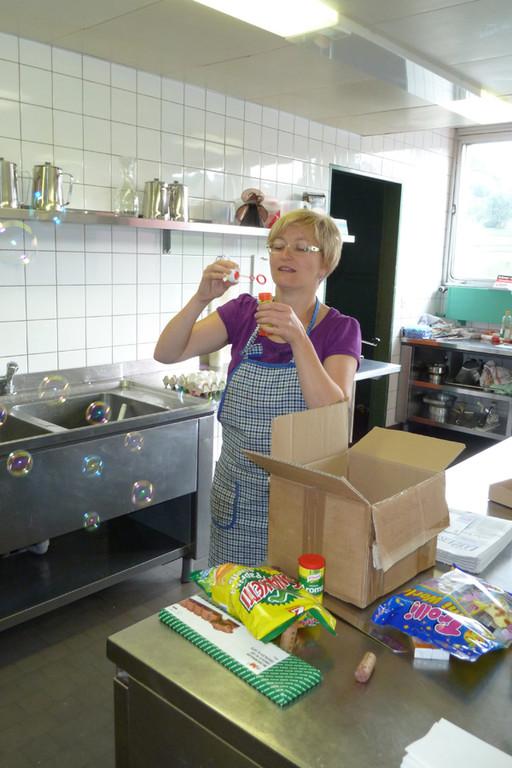Hanni konnte sich heute morgen über ihr Erstes Paket in Ihrer Lagerkarriere freuen!