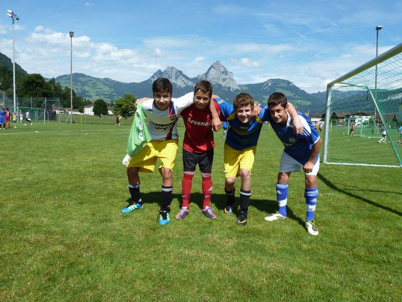 Napoli verdiente sich durch eine Gruppenphase den 2. Platz.