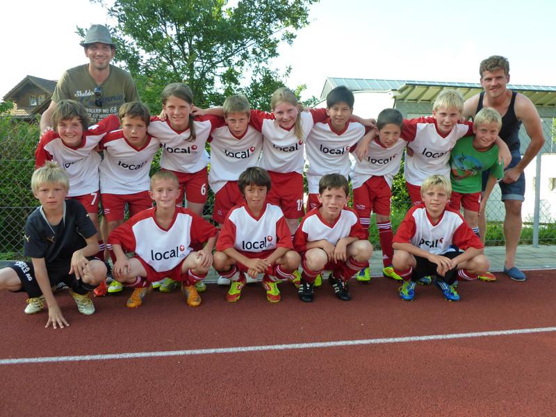 Nach einem lockeren Nachmittag in der Badi, spielten die D-Junioren noch ein Freundschaftsspiel gegen Appenzell.