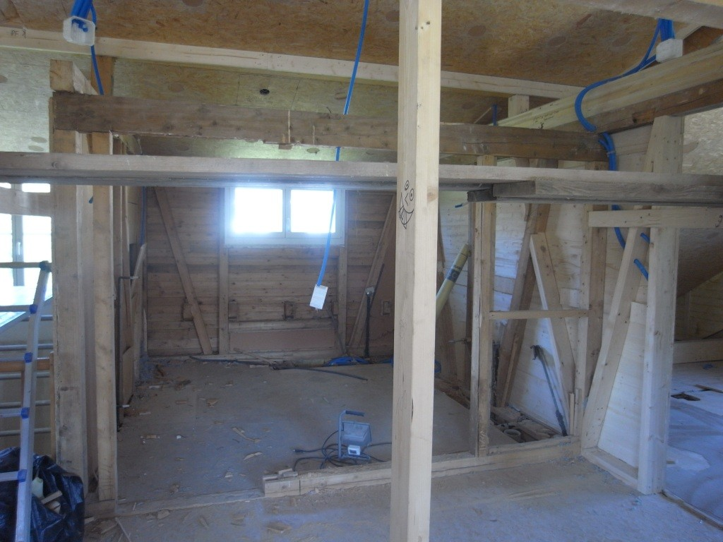 22.04.15 - Die alte Bausubstanz muss der neuen Weichen.
