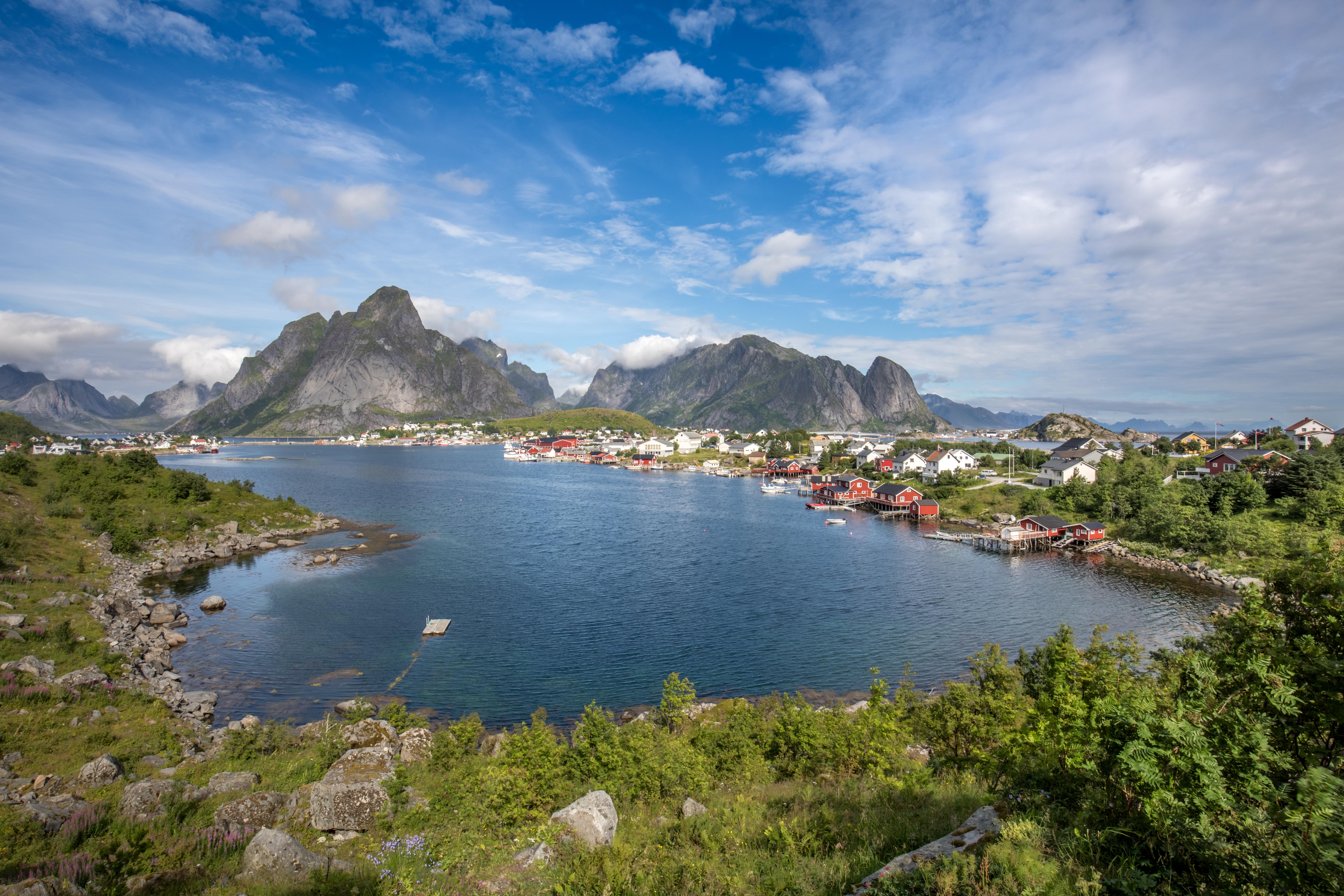 Reisebericht: Die Lofoten im Sommer mit dem Hurtigruten-Postschiff und per Automietung