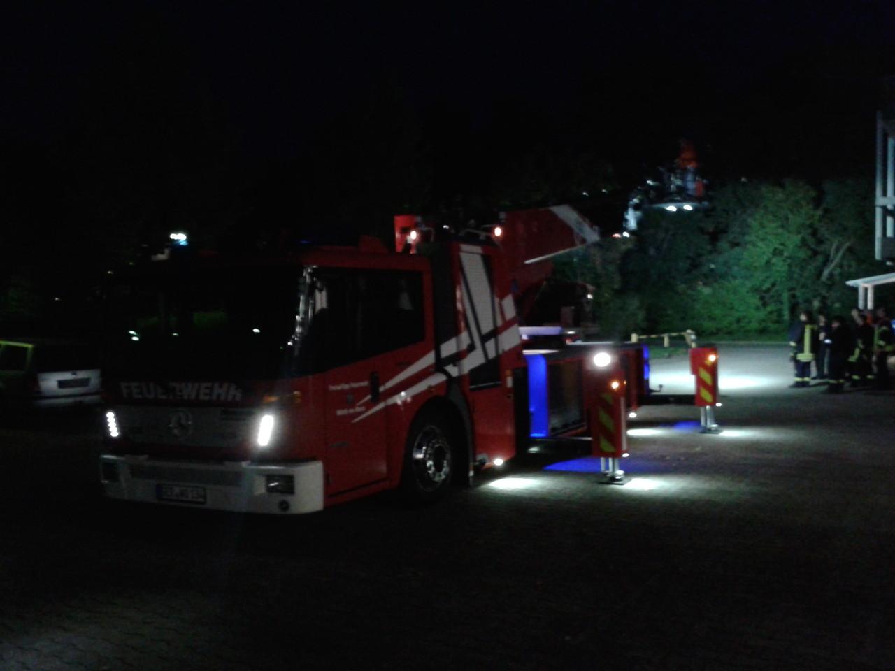 Das Fahrzeug bei Nacht