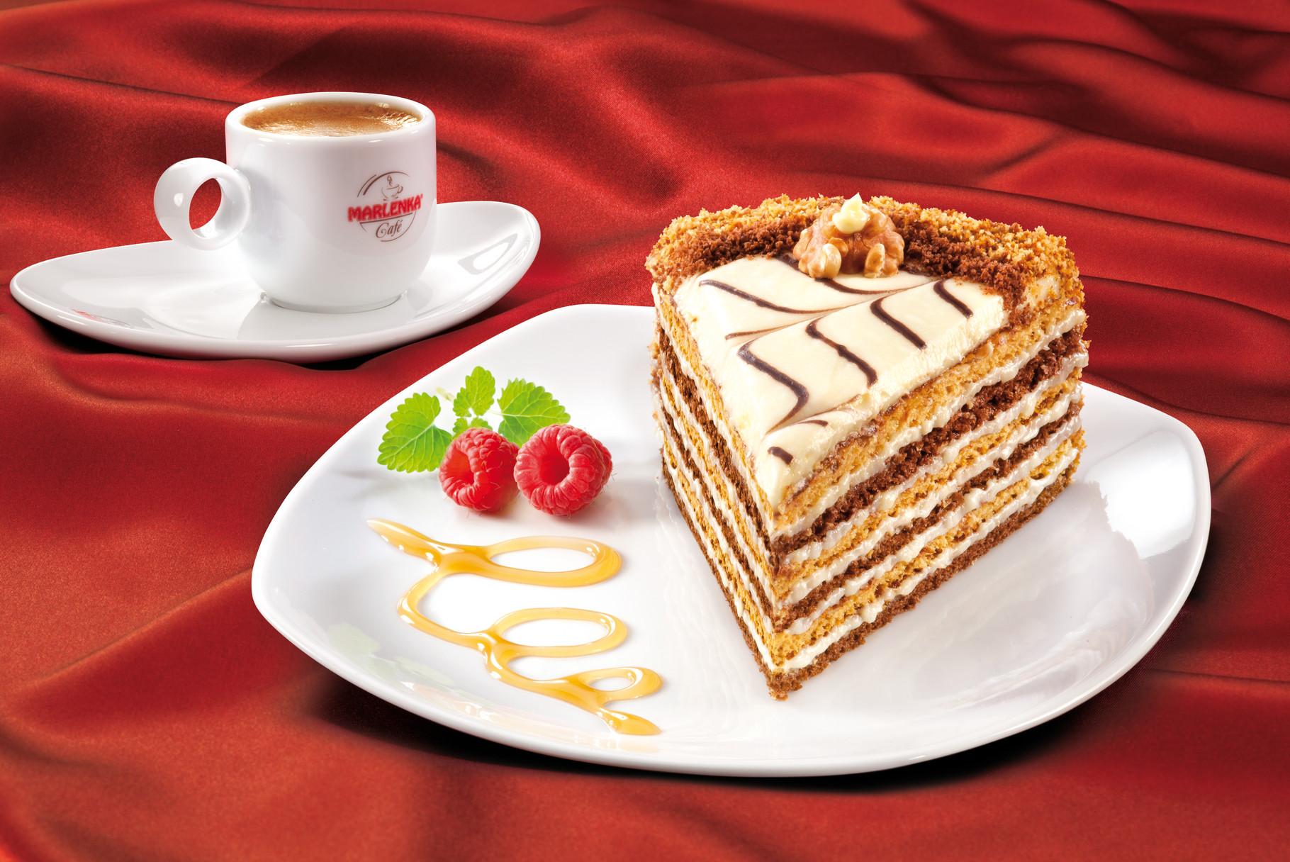 MARLENKA Festliche Torte