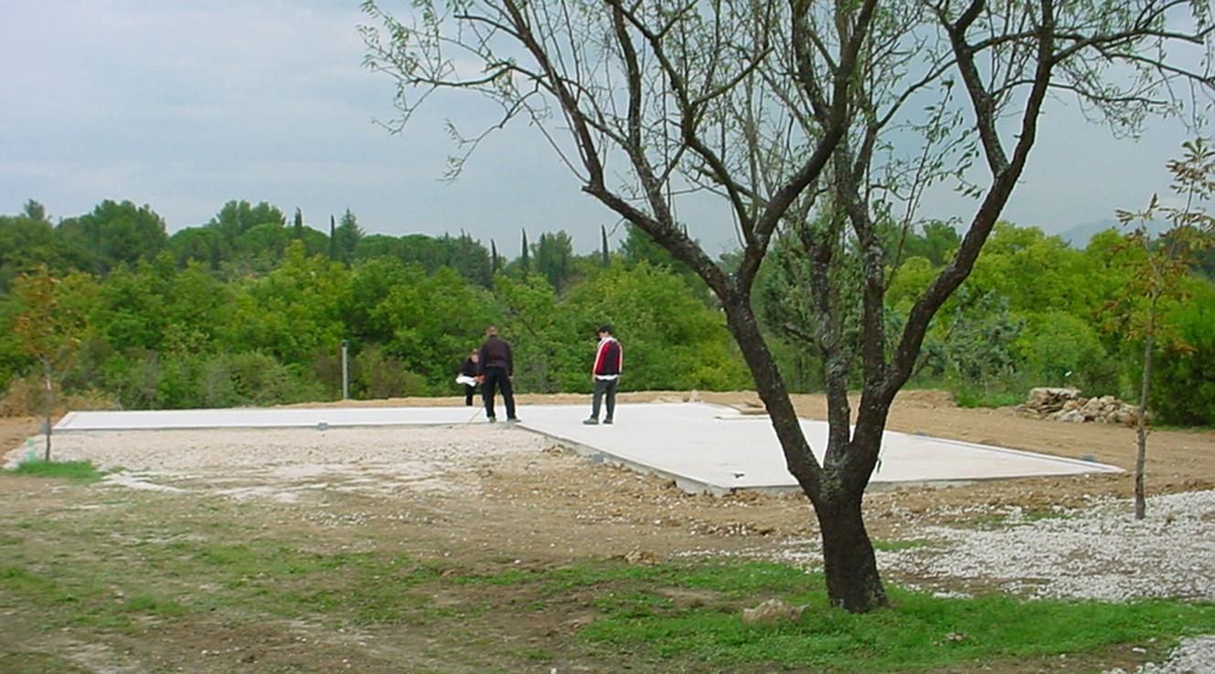 5 jours pour monter une maison à ossature bois, 180m2 de shon - après l'étude des plans d'exécution (3 semaines) et de préfabrication des modules en atelier (6 semaines)