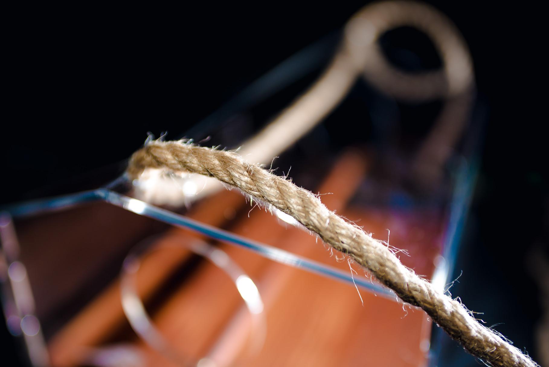 Кормушка для птиц с подвесом на джутовой верёвке