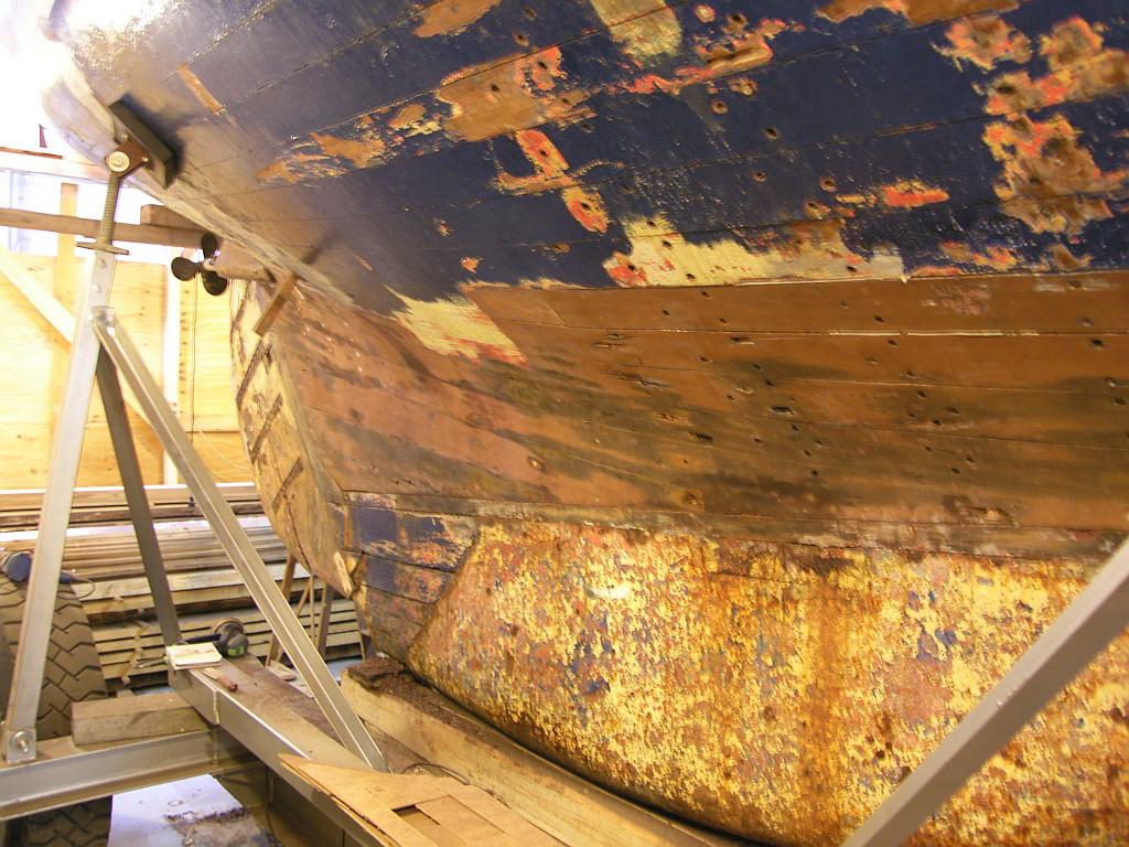 Erste Kratzer in der Farbe am Unterwasserschiff
