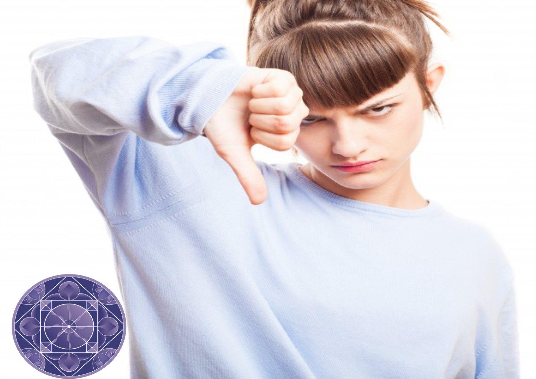 SEVERE CONSIDERAZIONI DI UN ADOLESCENTE SUGLI ADULTI - dr.ssa ANNA MARTONE - Alchimie Giovani