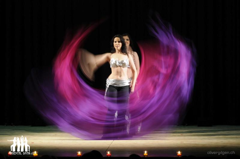 Oriental Divas - Tanz mit Fahnen-Poi