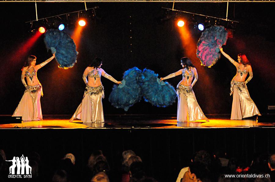 Oriental Divas - Tanz mit Federfächern an der Oriswiss 2008