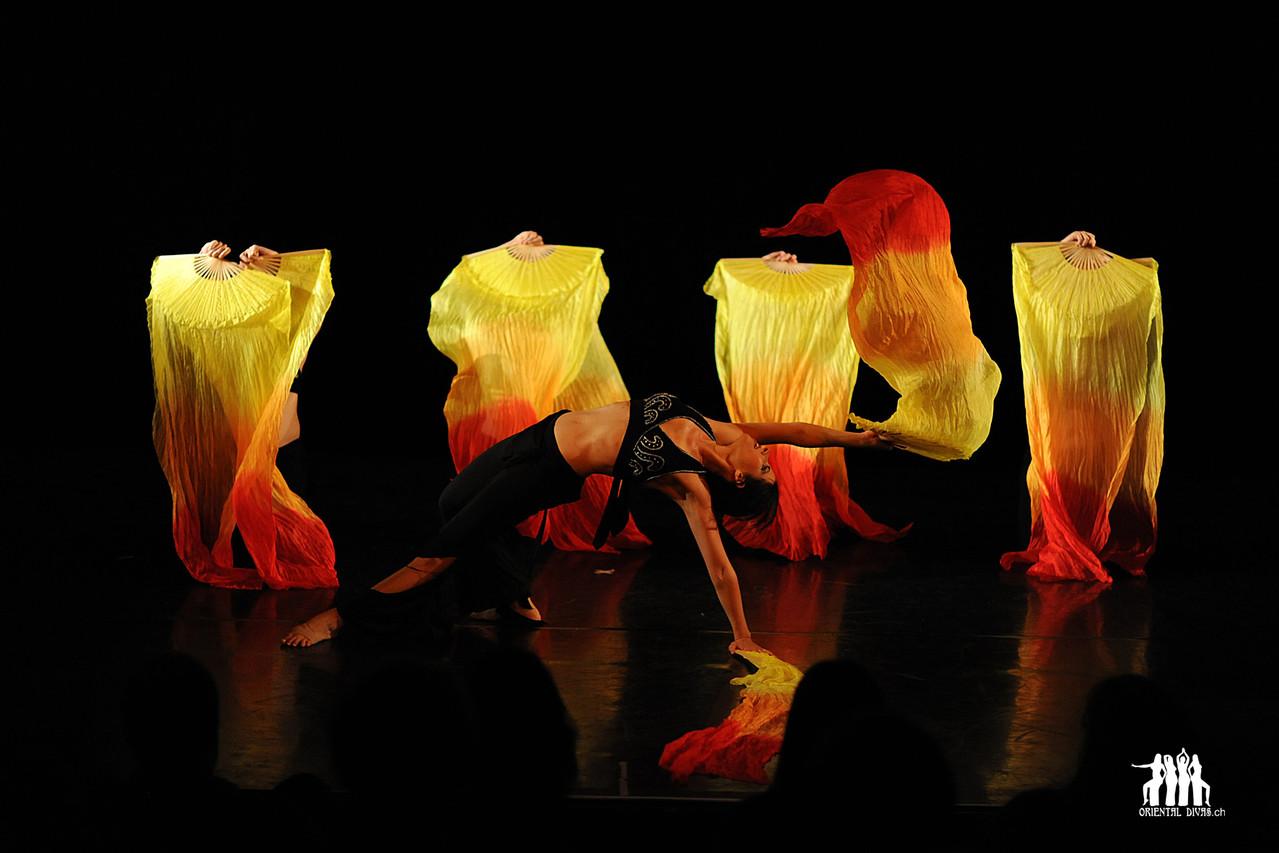 Oriental Divas - Tanz mit Schleierfächern am Bellicious Berne 2011