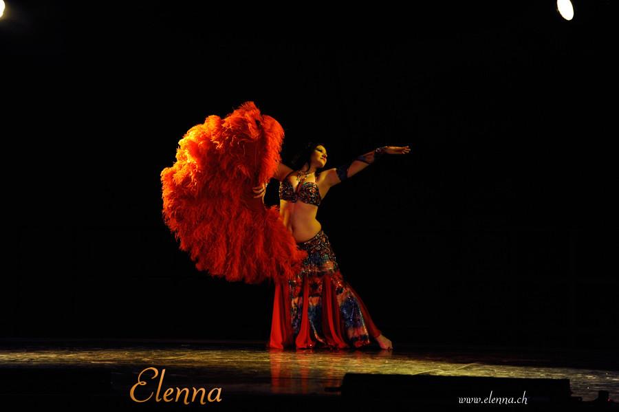 Oriental Divas - Elenna - Tanz mit dem Federfächer an der Oriswiss 2012